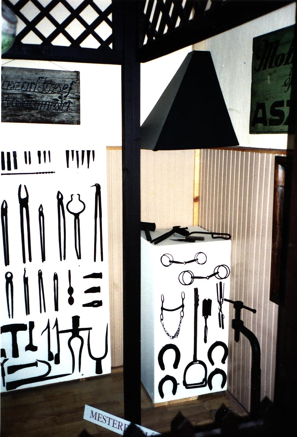 Gallery | Lepseny | Korabeli szerszámok